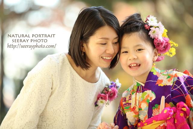 ママもおそろいの生花コサージュで七五三写真